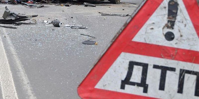 Авария на улице Постникова: автомобиль не пропустил мотоциклиста