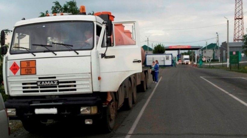 Оренбургская таможня возбудила уголовное дело по факту контрабанды бензина из Казахстана