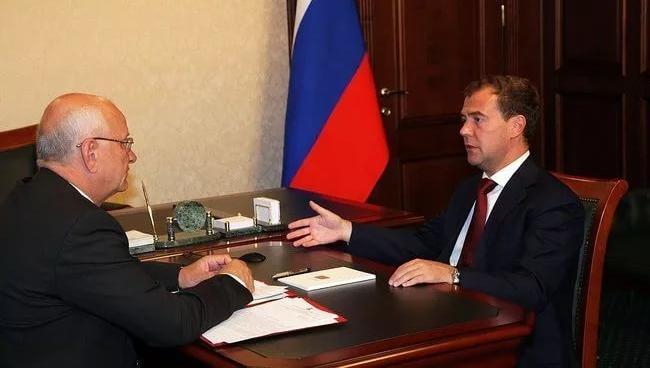 Юрий Берг рассказал Дмитрию Медведеву о рекордном урожае в Оренбургской области