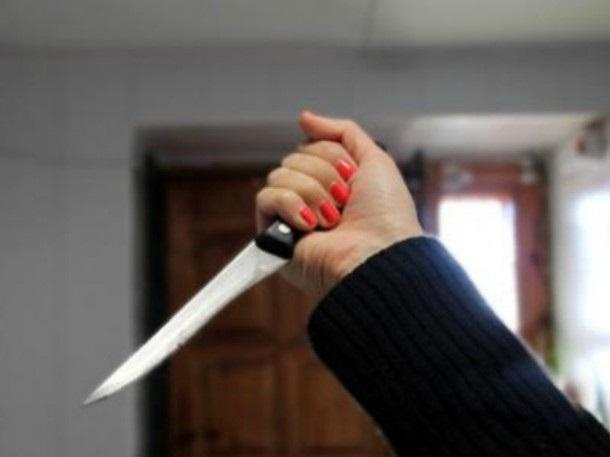 В Ясном женщина нанесла супругу удар ножом за оскорбление