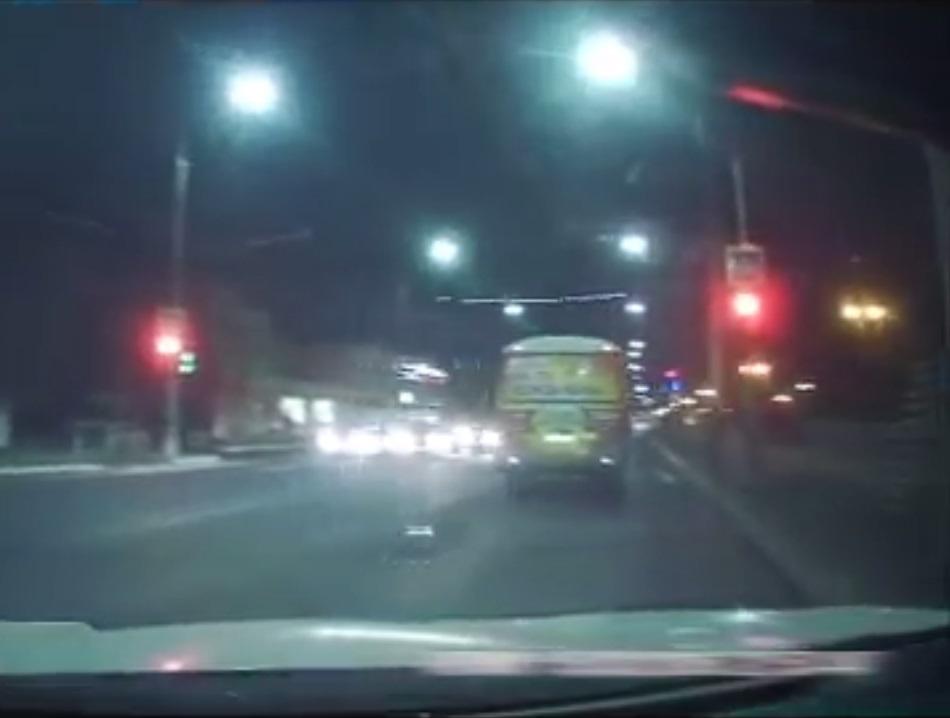 ГИБДД выписали штраф водителю маршрутного автобуса на основании видео из Интернета
