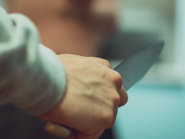 Житель Орска совершил дерзкий налет с ножом на продуктовый магазин